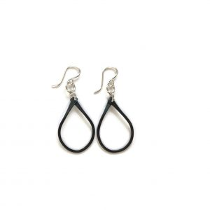 Noir Simple Teardrop Earring